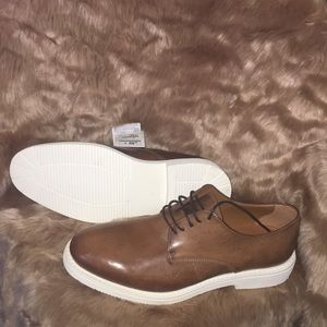 Light brown leather men dress shoes